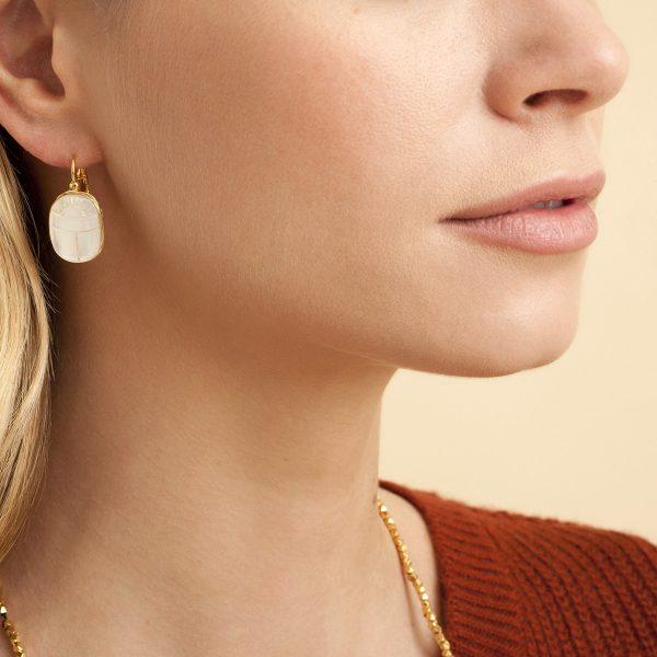 boucles-oreilles-scaramouche-nacre-or-gas-bijoux-2.jpg